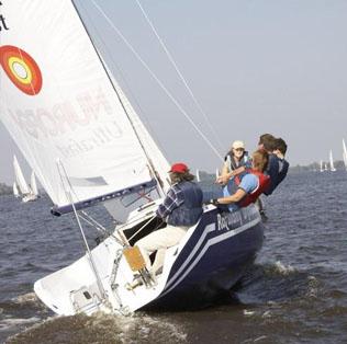 Rozwiany Dym, fot. Blue Yacht, Rejs dla młodzieży